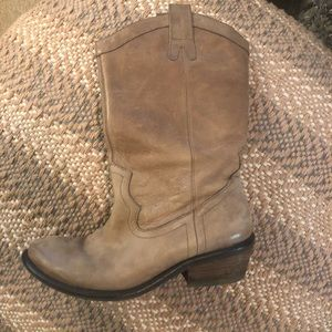Jessica Simpson cowboy boot